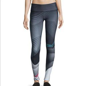 Onzie printed graphic legging